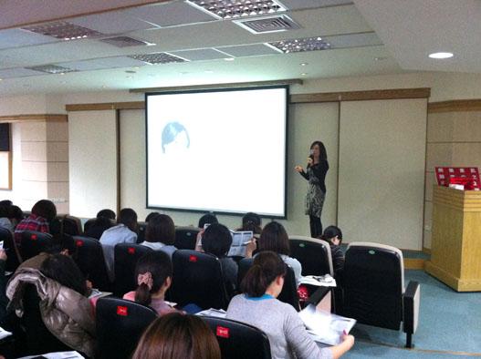 寵愛之名邀請陳美齡醫師演講美白基準講座
